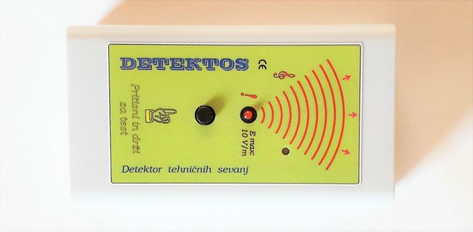 Detektos in zaper zaperino za pomoc pri elektricnem sevanju v hisi